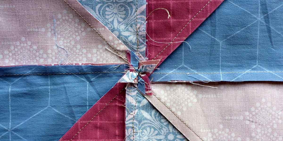 Hoe maak ik een quilt-kussen: stap 3: de voorkant in elkaar zetten